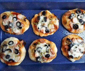 Mini Pizza in a tray