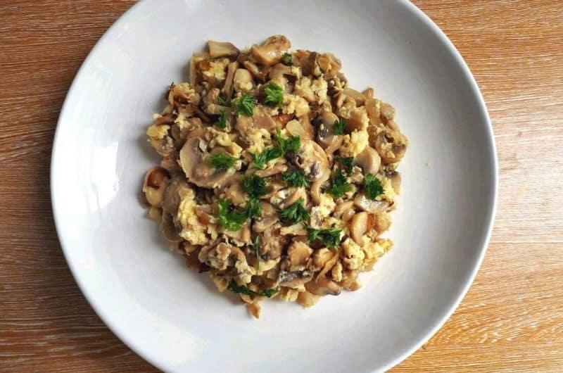 Scrambled eggs with mushrooms recipe