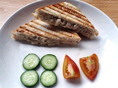 Chicken Sandwich Spread serve with cucumber and tomatoes