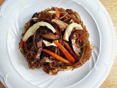 Vegan Japchae Recipe (Korean Glass Noodles)