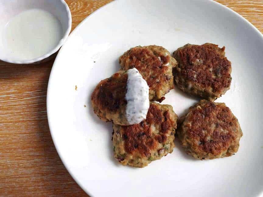 Chicken Kafta patties served with yogurt garlic white sauce
